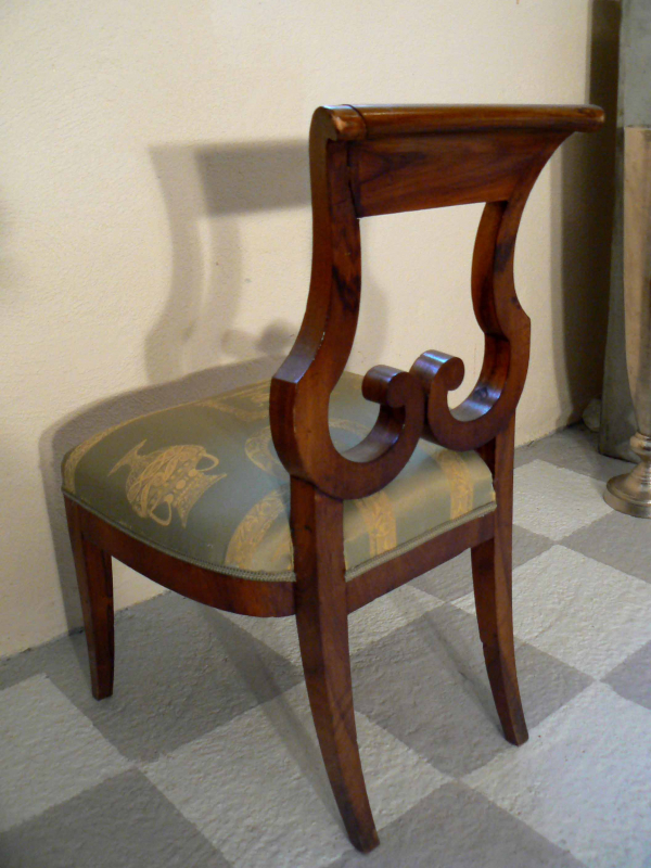 Einzigartiger Biedermeier Stuhl Nussbaum